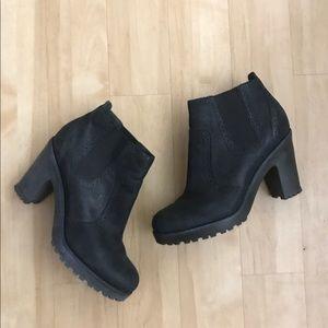 Sperry heeled booties